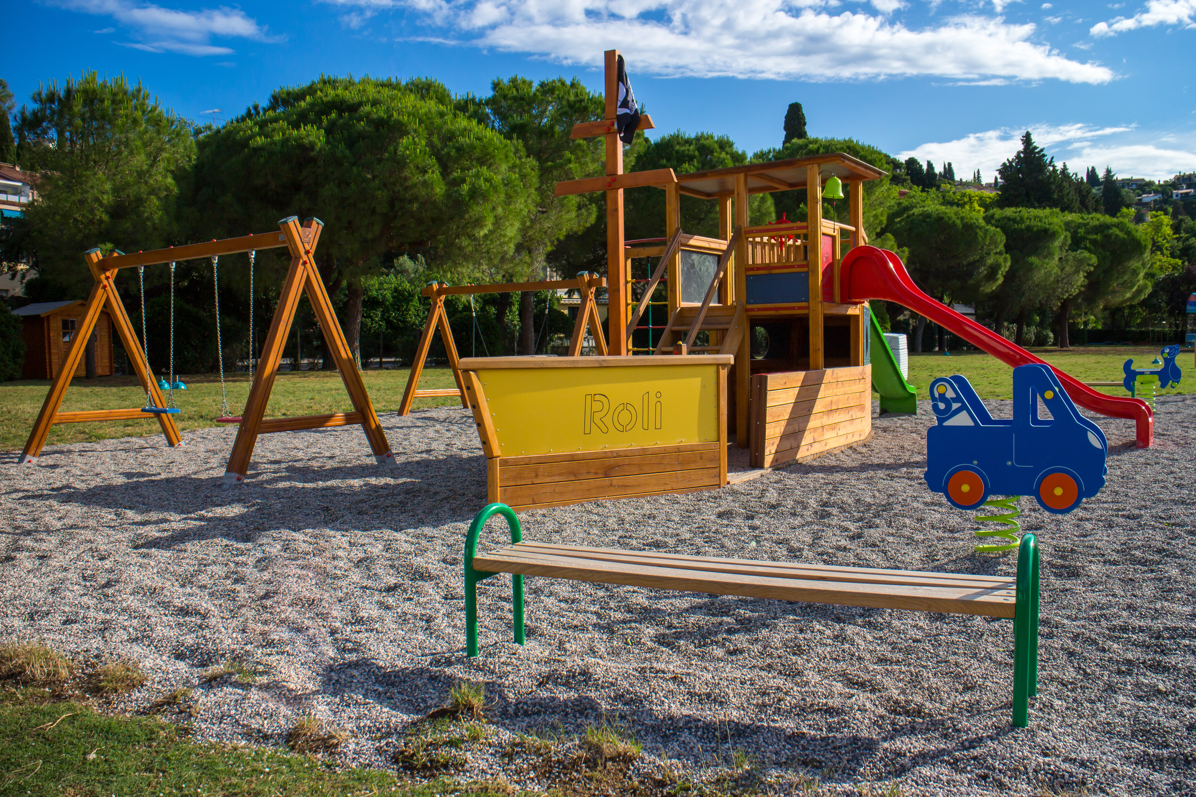 http://www.travelsys.sk/public/users/paxtour/images/fotogaleria_hotel/l_beach_playground_5.jpg.jpg