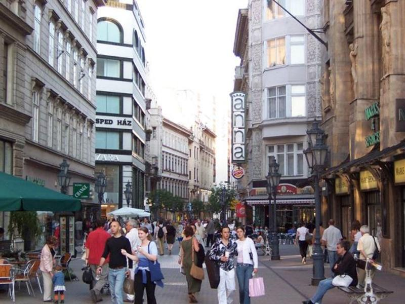 http://www.travelsys.sk/public/users/paxtour/images/fotogaleria_hotel/l_budapest_znama__05.jpg