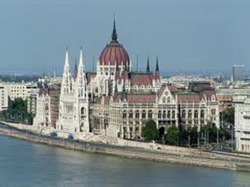 http://www.travelsys.sk/public/users/paxtour/images/fotogaleria_hotel/l_budapest_znama__13.jpg