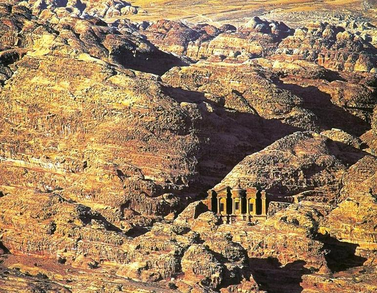 http://www.travelsys.sk/public/users/paxtour/images/fotogaleria_hotel/l_izrael_petra_06.jpg