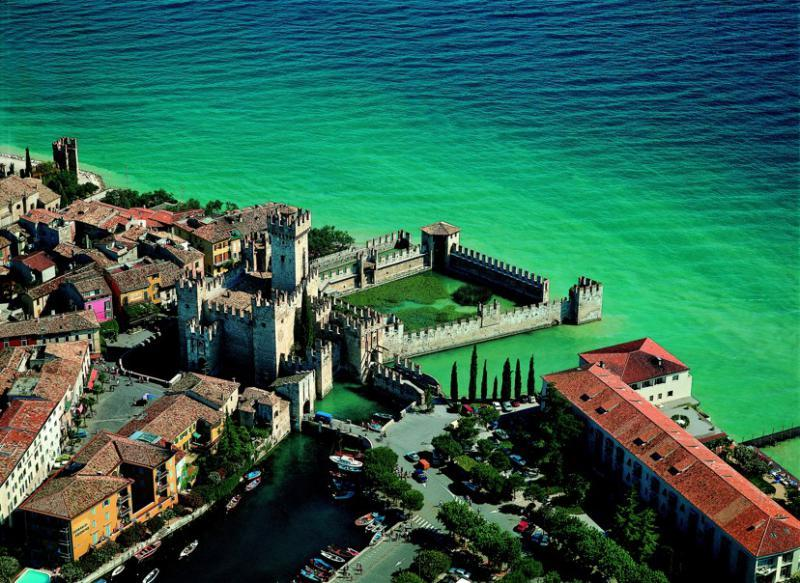 http://www.travelsys.sk/public/users/paxtour/images/fotogaleria_hotel/l_lago_di_garda_03.jpg
