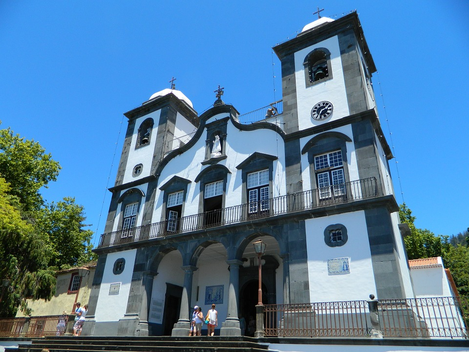 http://www.travelsys.sk/public/users/paxtour/images/fotogaleria_hotel/l_madeira_zahrada_3.jpg