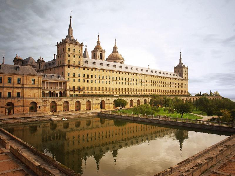 http://www.travelsys.sk/public/users/paxtour/images/fotogaleria_hotel/l_madrid_el_clasico_04.jpg