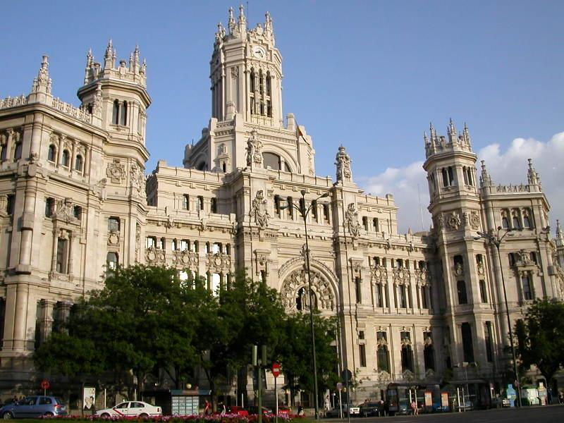 http://www.travelsys.sk/public/users/paxtour/images/fotogaleria_hotel/l_madrid_el_clasico_11.jpg