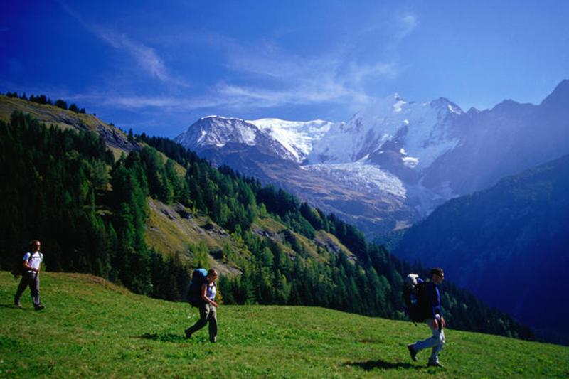 http://www.travelsys.sk/public/users/paxtour/images/fotogaleria_hotel/l_okolo_mont_blanc_04.jpg