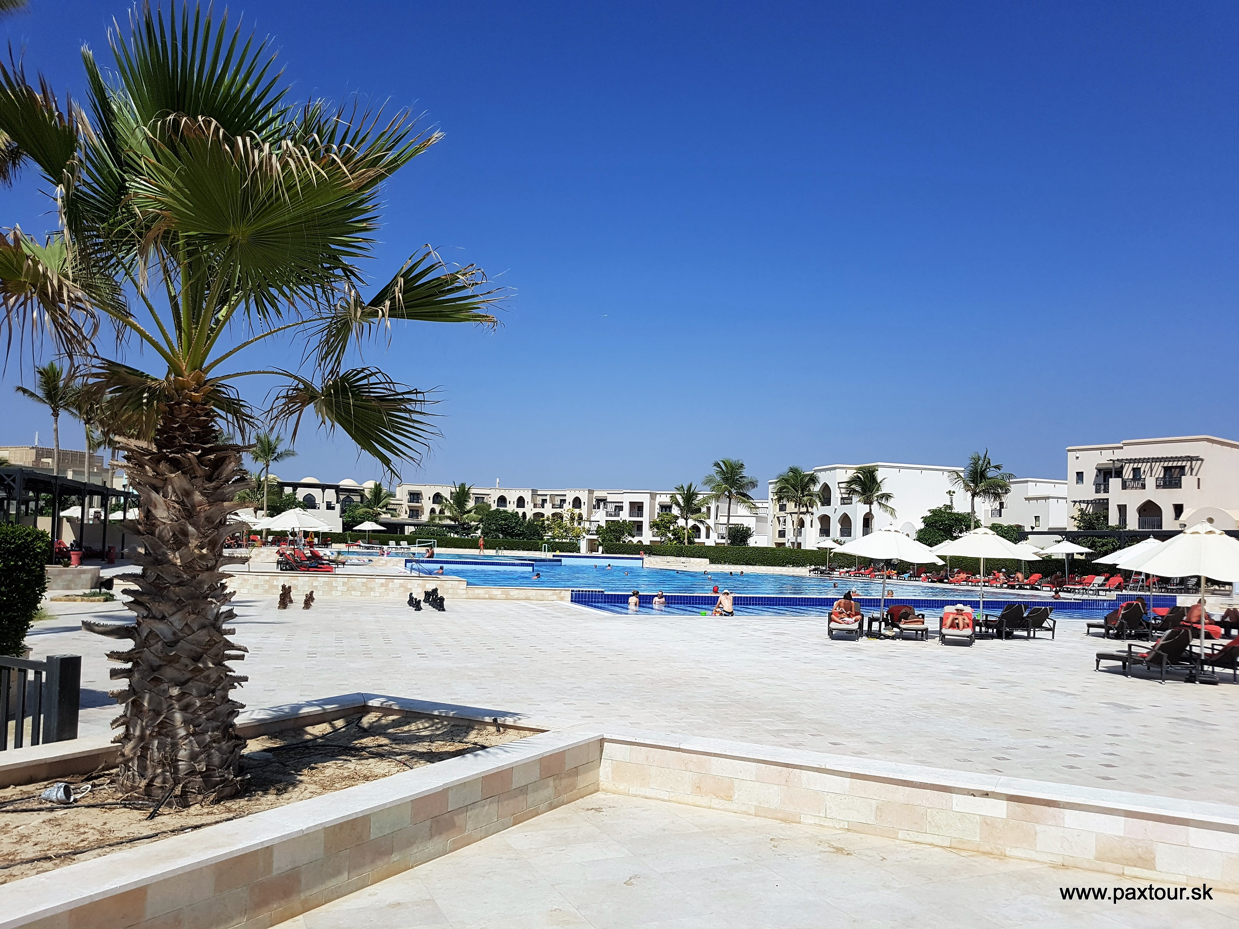 http://www.travelsys.sk/public/users/paxtour/images/fotogaleria_hotel/l_oman014.jpg