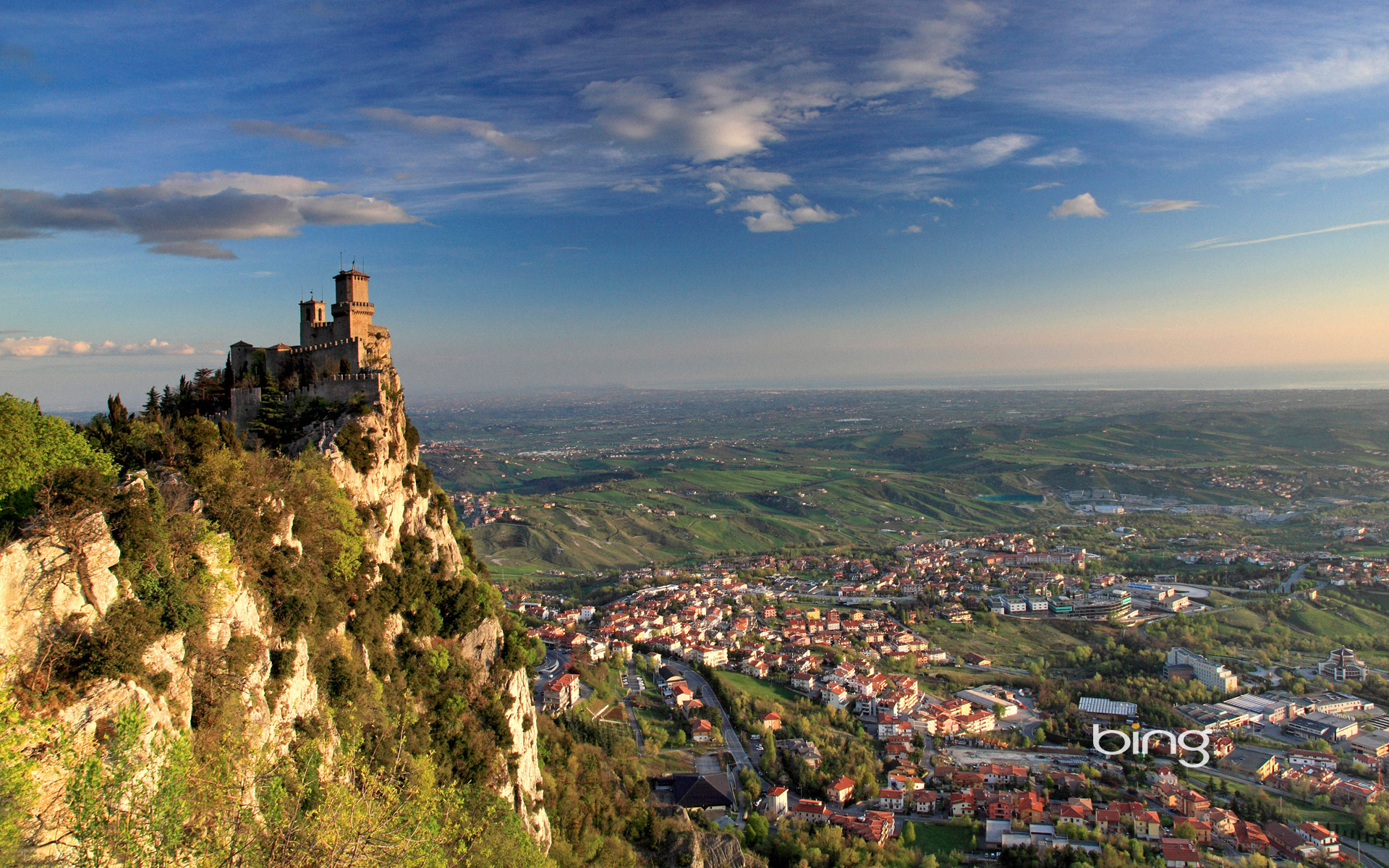 http://www.travelsys.sk/public/users/paxtour/images/fotogaleria_hotel/l_san-marino-.jpg