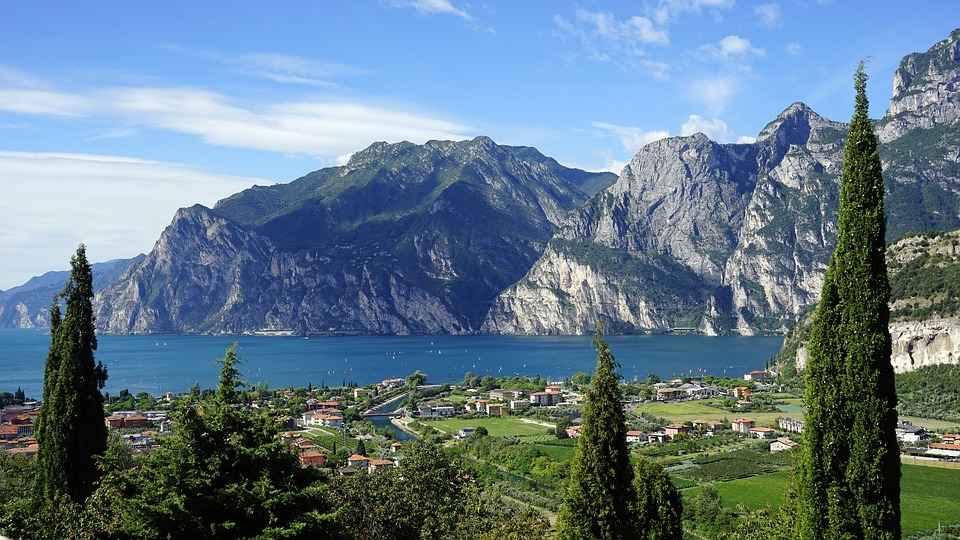 http://www.travelsys.sk/public/users/paxtour/images/fotogaleria_hotel/l_umelecka_lombardia03.jpg