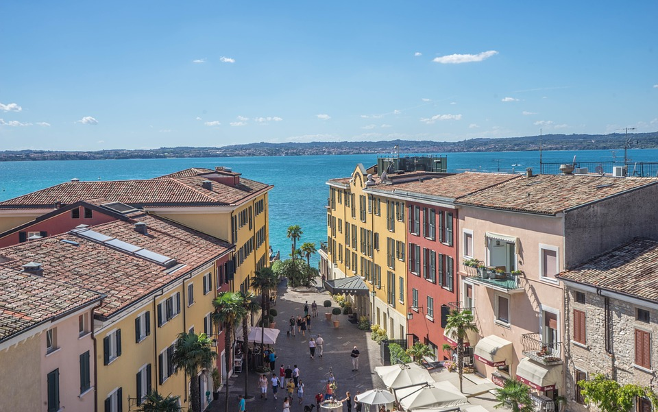 http://www.travelsys.sk/public/users/paxtour/images/fotogaleria_hotel/l_umelecka_lombardia05.jpg