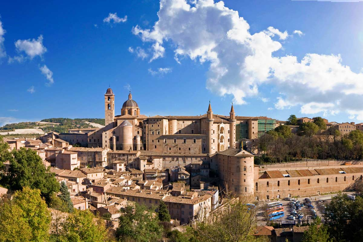 http://www.travelsys.sk/public/users/paxtour/images/fotogaleria_hotel/l_urbino.jpg